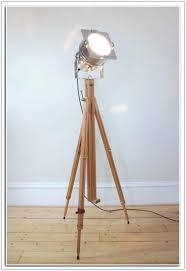 studio tripod floor lamp studio tripod floor lamp lamps home decorating ideas photographers tripod floor lamp
