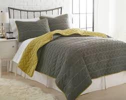 3 pc reversible quilted set gray and mustard