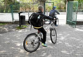 Znalezione obrazy dla zapytania rowerem do szkoły