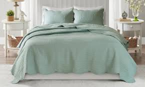 Best Summer Bedspreads for a Cool Night's Rest | Overstock.com