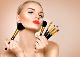 ah wele to the world of makeup history of makeup goes back a long time and has been wallowed in by both genders so do you know what are the basic
