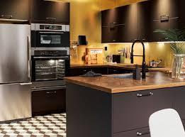 Bermain Warna Atraktif di Dapur - Semen Tiga Roda