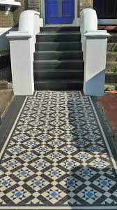 bathrooms with black and white tile. blue black and white tile | classic 50mm victorian mosaic path with bathrooms