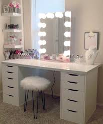 Dressing table lighting ideas Fairy Lights Best Lighting For Makeup Table Makeup Vanity With Lights Makeup Vanity With Lights Makeup Vanity Table Brassworksbicycleco Best Lighting For Makeup Table Vanity Dressing Table Lamps