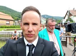 He is an actor, known for pesti balhé (2020), egynyári kaland (2015) and neoszarvasbika (1992). Friss Foton Torocsik Mari Es Szinesz Unokaja Ritka Kozos Kep Mateval Hazai Sztar Femina