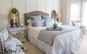 Farmhouse furniture style Outdoor Fixer Upper Farmhouse Style Bedroom fixerupper farmhouse farmhousebedroom Shannie Chic How To Paint Furniture For Farmhouse French Country Or Shabby