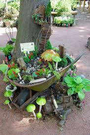12 inpirci pre mini rozprvkov zhradky. Wheelbarrow GardenSmall  GardensFairy ...