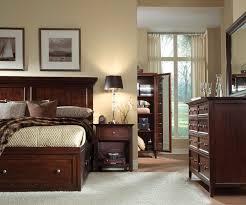 Ellsworth 4 Piece Queen Storage Bedroom Set Cherry Levin Furniture ...