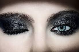 sparkle black eyeshadow makeup trends 2016