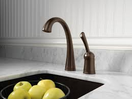 Delta Pilar Kitchen Faucet Faucetcom 1980t Ar Dst In Arctic Stainless By Delta