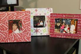 Christmas And Holiday Crafts Tutorials And DIY  Ben Franklin Christmas Picture Frame Craft Ideas