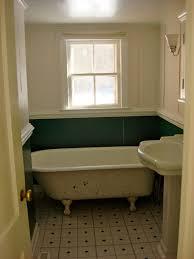 ... Extraordinary Clawfoot Tub Bathroom Design Ideas : Simple Clawfoot Tub  In Small Bathroom Apartment With Square ...