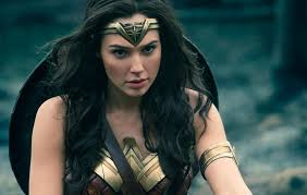 Gal Gadot Defends Sri Lankan Cosplayers Who Were Mocked For Their Wonder  Woman Outfits