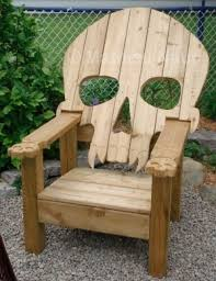 Pallet Furniture Plans | Badass Adirondack Skull Chair by Hushgirl