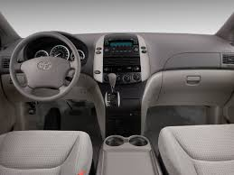 Image: 2008 Toyota Sienna 5dr 8-Pass Van LE FWD (Natl) Dashboard ...