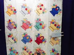 Pinkadot Quilts: AQS Quilt Show & Here is a shot of the whole quilt. It was not for sale and was the vendor's  favorite quilt! I am going to recreate this one, but may change it up a ... Adamdwight.com