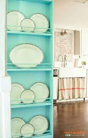 how to build a wall mounted plate rack
