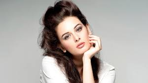 Download Hd Evelyn Sharma Bollywood Actress Wallpapers For