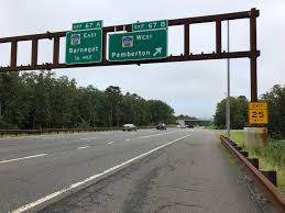file 2018 09 12 15 33 04 view south along new jersey state route 444 garden state parkway at exit 67b ocean county route 554 west pemberton in barnegat
