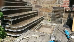 Das verlegen des treppenbelages sollte schnell und gründlich erfolgen. Waschbetontreppe Mit Steinteppich Sanieren Regionale Steinteppich Anbieter