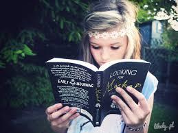 Картинки по запросу czytająca osoba