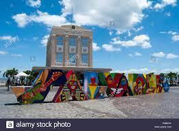 Praça Tomé de Souza, keine Centro Histórico de Salvador. Elevador Lacerda  Stockfotografie - Alamy