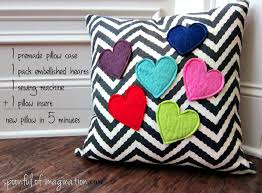 DIY Pillow in 5 Minutes - Spoonful of Imagination