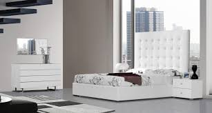 Lyrica White Bedroom Accesories Collection