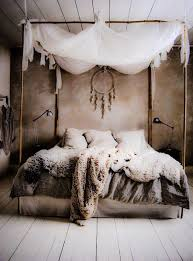 Nice 20+ Wolf Decor For Your Bedroom Https://modernhousemagz.com/20 Wolf  Decor For Your Bedroom/