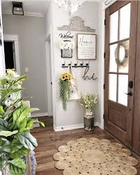 how should i decorate my entryway