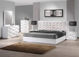 Mirrored Bedroom Sets Modern Mirror Closet And White Master Bed To Look Roomy Of Exotic