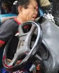 Image result for Angkot Morina Medan Tabrak tiang didepan pemakaman