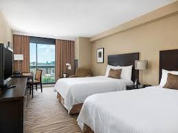 Deluxe Hotel Room With Private Balcony Chelsea Hotel Toronto - Two bedroom suites toronto