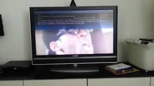 sony tv old. broken sony bravia kdl40v-2000 8 years old sony tv