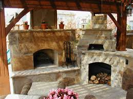 Image of: Outdoor Fireplace With Pizza Oven