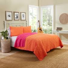 Buy Coral Quilt Bedding from Bed Bath & Beyond & Vue® Zuma Beach Reversible Twin Quilt Set in Coral Adamdwight.com