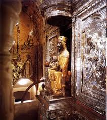 Черная мадонна в монастыре Монсеррат, Испания: Статуя Девы ...