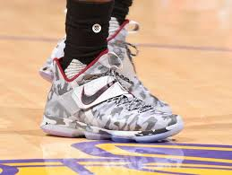 lebron james shoes 2017. king james debuts special camo nike lebron 14 in hollywood lebron shoes 2017 o