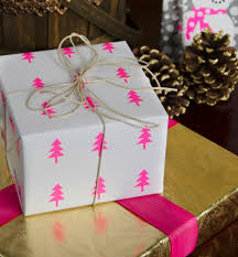 8 Beautiful Christmas Wrapping Ideas  The Koch BlogBeautiful Christmas Gift Wrap