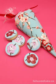 How To Make Paper Cones For Flower Petals Painted Cherry Blossom Cookies In Paper Cones For Party Favors