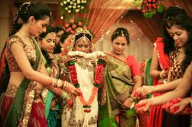 wedding photos that show how differently we tie the knot in gujarati wedding