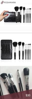 e l f brush set with clutch case 7 brushes new never used the brushes or the