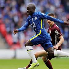 Chelsea star N'Golo Kante beating 2 players to his own stray pass is  classic N'Golo Kante