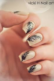 Feathers nail art - how you can do it at home. Pictures designs ...