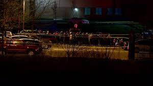 Eight people have been killed and seven injured in a shooting at a fedex facility in the us city of indianapolis, police say. 6r030qhiea4hqm