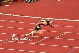 Спринт лёгкая атлетика Википедия Джереми Уоринер Старт На стартовых колодках установлен динамик передающий звук стартового пистолета