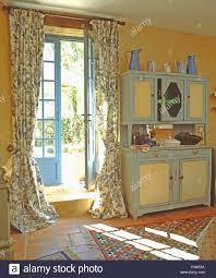 Blau Weiß Geblümten Vorhängen Auf Blau Französische