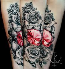 алмаз с розами и кружевами женская тату на руке сделать тату у