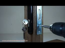 how to replace the cylinder in your door lock and how to measure the correct size to suit your door