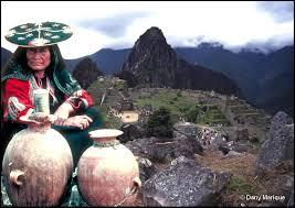 Картинки по запросу machu picchu peru people